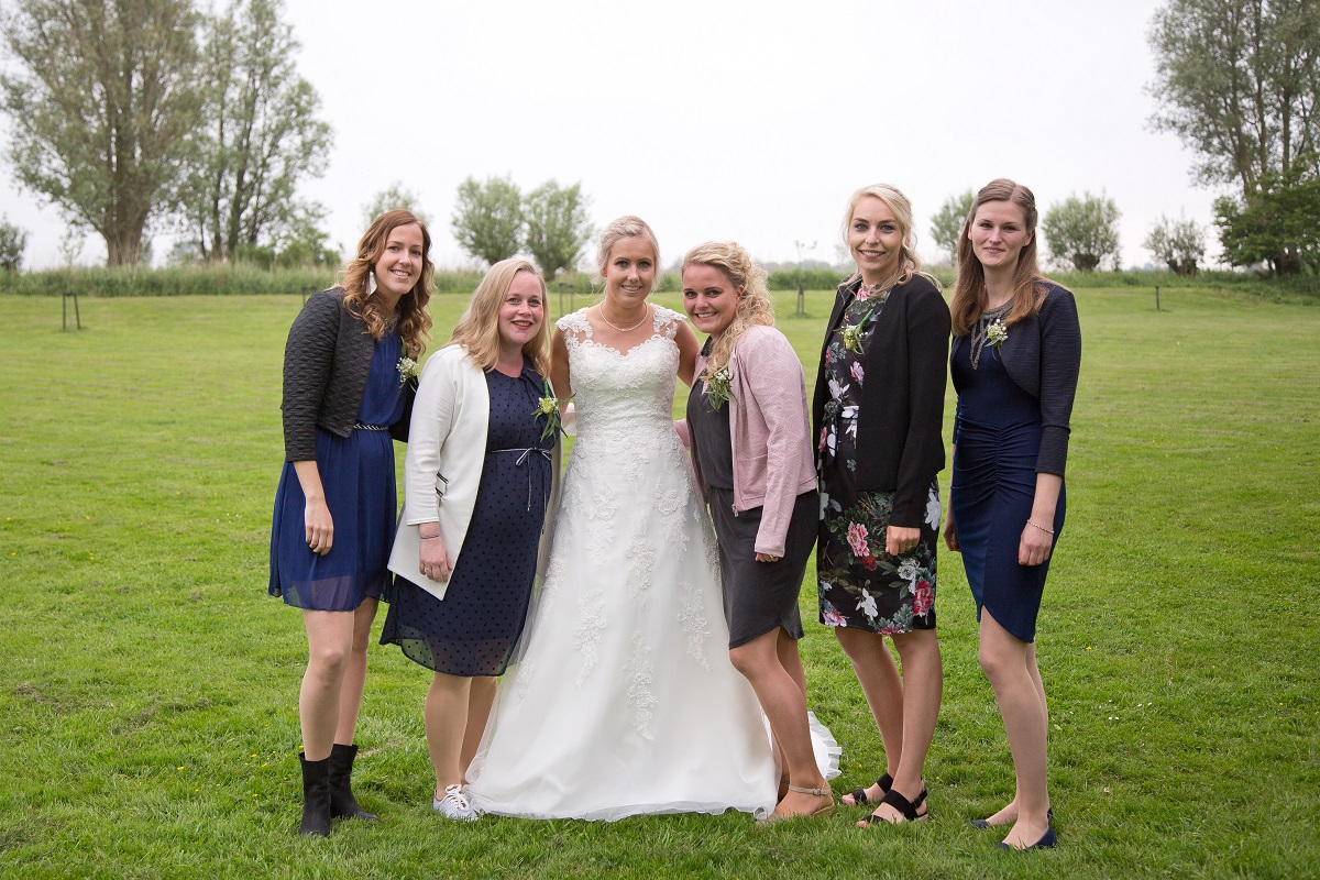 Spiksplinternieuw Creatieve outfit voor de bruiloft | Trouweninfriesland.nl KO-99